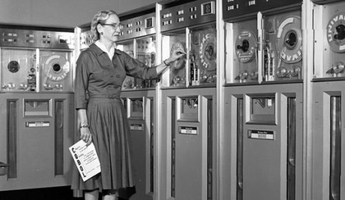 YaleNews_hopper-grace.UNIVAC.102635875-CC_0